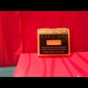 New Mary Kay Mineral Eye Color ~ Sweet Cream